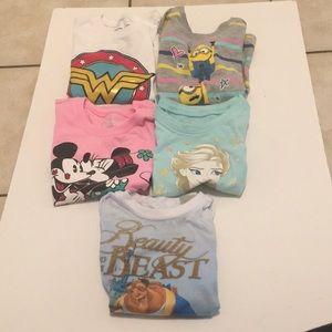 Bundle of 5 shirts in girls xs 4/5. 3 Disney